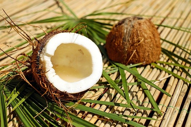 Ein MCT-Öl, ein Extrakt von Kokosnussöl